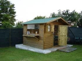 Casetta in legno con cucina interna