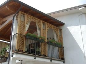 Grigliati decorativi su terrazzo