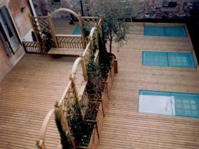 Pavimenti in legno per terrazzo a due livelli