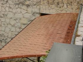 Copriporta ferro e legno copertura tegole rame