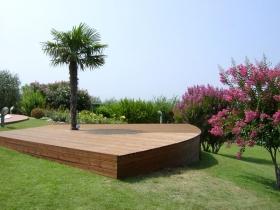 Pedana giardino in legno di pino con palma